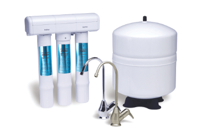A Reverse Osmosis water filtration system with three filters, two faucets and a tank.